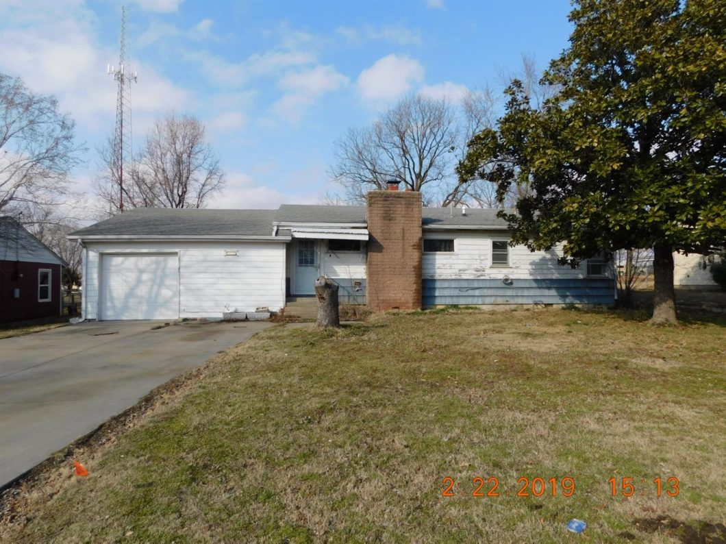 1000 W First, Coffeyville, KS 67337